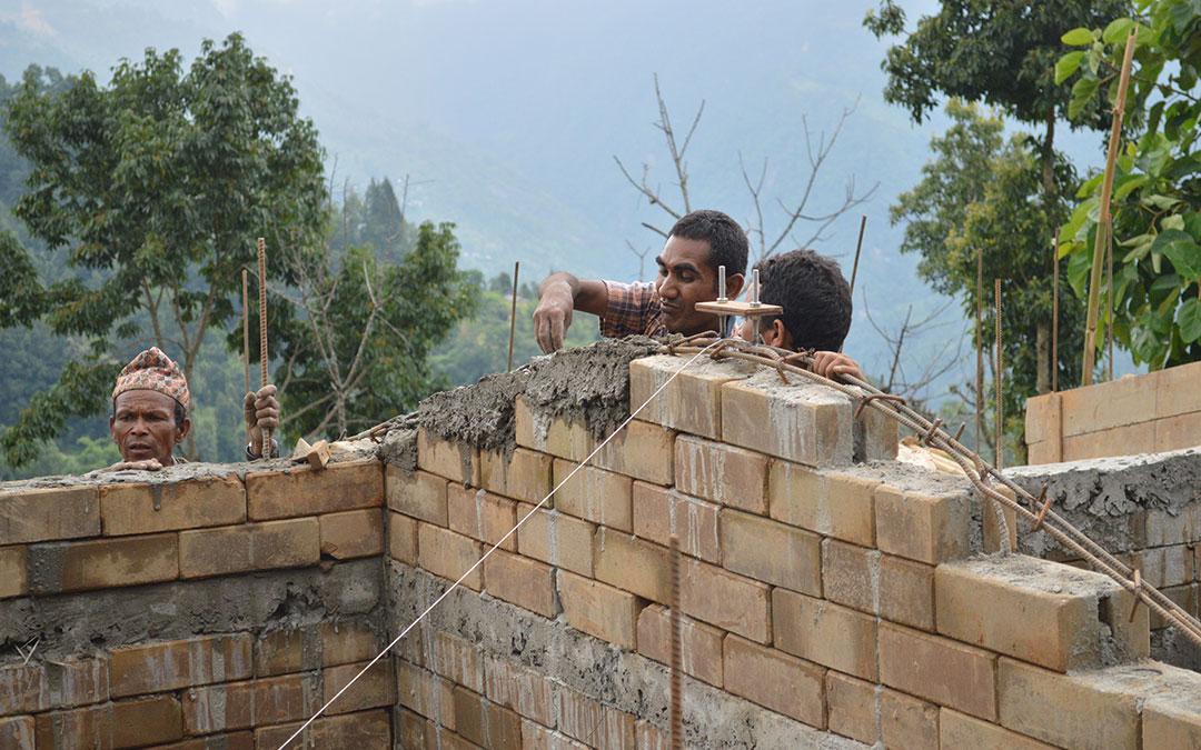 Insinöörit ilman rajoja -järjestö auttaa Nepalin uudelleenrakentamisessa